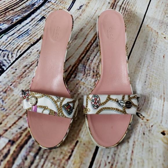 c503ad6a7c8 Gucci Shoes - Gucci white satin gold chain